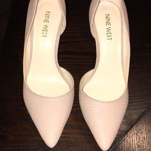 Woman's Nine West nude high heels